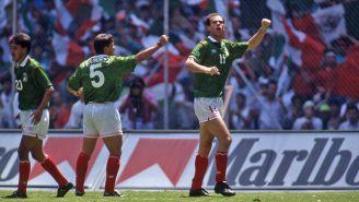 Zague celebra una de sus siete dianas vs Martinica en Copa Oro 1993