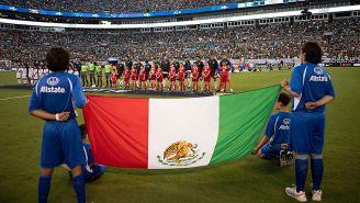 Ceremonia de los himnos, antes del Martinica vs México