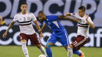 Salcedo y Alvarado, en el partido contra Martinica