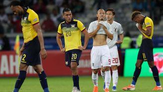 Ecuatorianos y japoneses se lamentan en el terreno de juego
