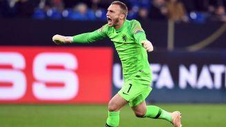 Cillessen celebra un gol de Holanda