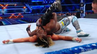 Kofi Kingston cubre a Dolph Ziggler