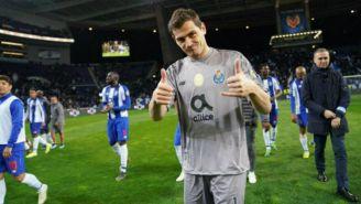 Iker Casillas durante un juego con el Porto
