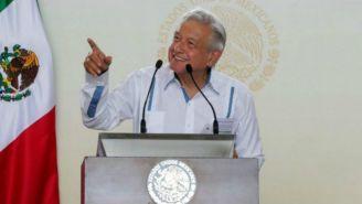 López Obrador sonríe durante un evento en Mérida, Yucatán