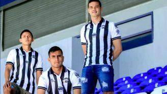 Toros de Celaya lanza camiseta en homenaje Míchel González