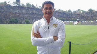 Míchel González entrenador de Pumas