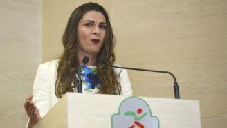 Ana Gabriela Guevara habla en un evento público