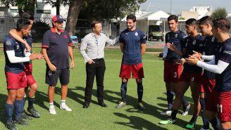 Antonio Briseño, en su primer entrenamiento con Chivas