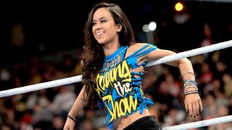 AJ Lee en el ring de RAW