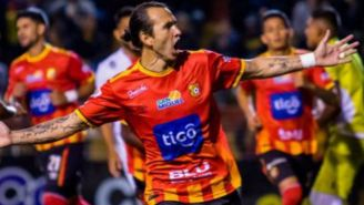 Arellano festeja anotación con Herediano