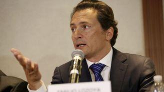 Emilio Lozoya habla en una conferencia de prensa en 2017