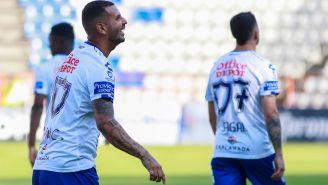 Cardona festeja gol con Pachuca