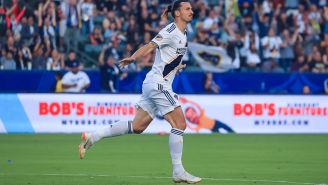 Zlatan Ibrahimovic festeja gol con el Galaxy