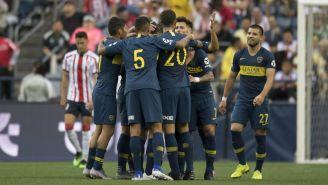 Jugadores de Boca celebran anotación contra Chivas
