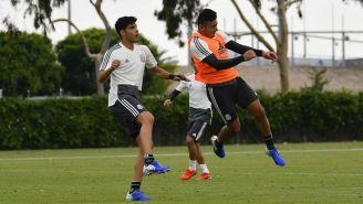 Jiménez y Alexis Vega en un entrenamiento con el Tri en Copa Oro