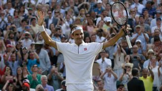 Federer es ovacionado tras vencer a Nishikori