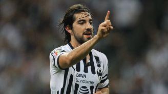 Roldolfo Pizarro en un partido con Monterrey