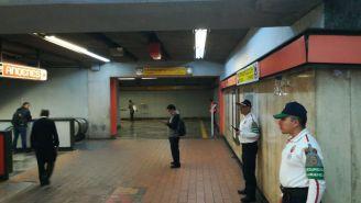 Policías resguardan las instalaciones del Metro de la CDMX