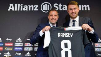 Aaron Ramsey en su presentación con la Juventus