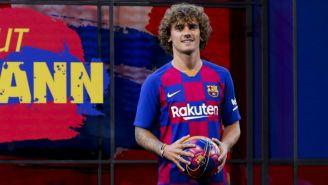 Griezmann posa con la playera del Barcelona
