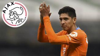 Edson Álvarez aplaude durante un juego con el América