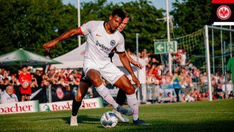 Sébastien Haller durante un partido con el Eintracht de Frankfurt