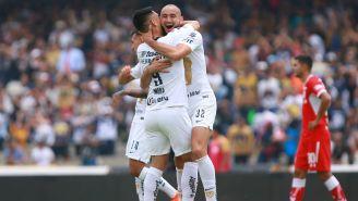 Carlos festeja su diana contra Toluca