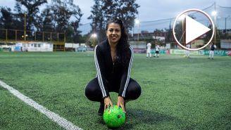 Cinthya Rivera posa para la lente de RÉCORD
