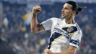 Zlatan Ibrahimovic festeja un gol con el Galaxy