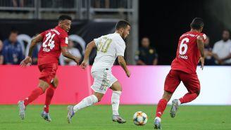 Eden Hazer conduce el balón en juego contra Bayern