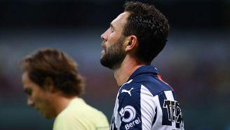 Miguel Layún en el partido contra América