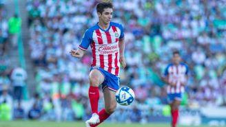 Isaac Brizuela controla la redonda en juego contra los Guerreros