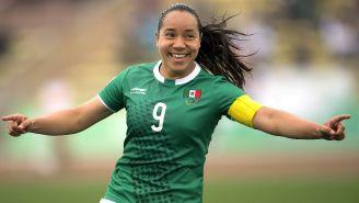 Charlyn Corral celebra su gol ante Jamaica