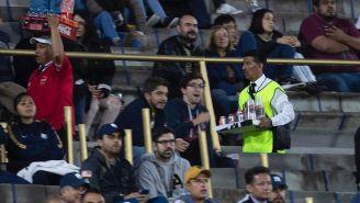 Repartidor de cerveza en el estadio de C.U.