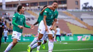 Jesús Godínez celebra el segundo gol de México Sub 22