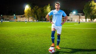 Jesús Guillén con el uniforme del Simón FC