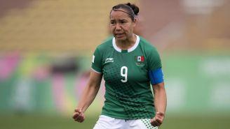 Charlyn Corral durante un juego de México