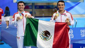 Yahel Castillo y Juan Celaya celebran su medalla de Oro