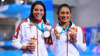 Alejandra Orozco y Gabriela Agundez celebran con su medalla de plata