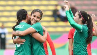 Jugadoras de Tri Femenil celebran gol en Lima