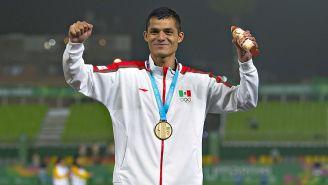 Fernando Martínez después de lograr su medalla de oro