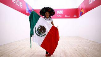 Paola Longoria tras ganar la medalla de oro