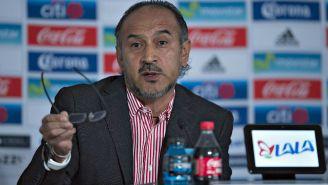 Raúl Gutiérrez en una conferencia de prensa