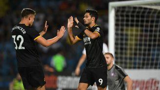 Raúl Jiménez celebra uno de sus goles ante el Pyunik de Armenia