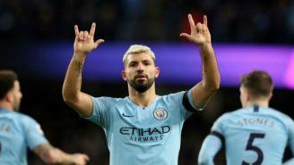 Sergio Agüero festeja un gol con el Manchester City