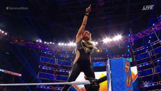 Trish Stratus tras pelea ante Charlotte Flair