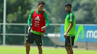 Héctor Moreno y Carlos Vela, en un entrenamiento del Tri