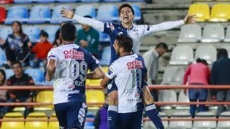 Víctor Dávila festeja su gol ante Zacatepec