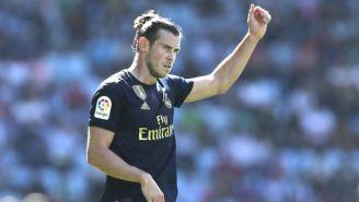 Gareth Bale levanta el brazo en el juego frente al Celta de Vigo