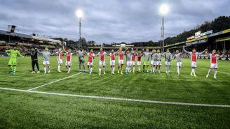 Jugadores del Ajax celebran su victoria ante el VVV Venlo